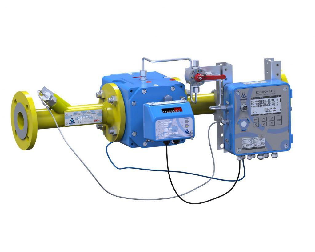 Przykład zamontowanego przelicznika CMK-03 na rurociągu w układzie poziomym z gazomierzem rotorowym CGR-01.